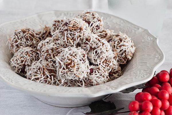 Cranberry & Date Truffles 600 post